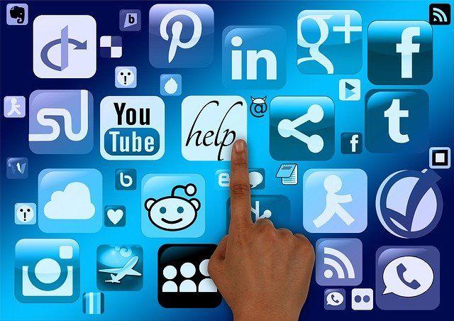 mantener las redes sociales al día - linkmusic - música - Vane Balón