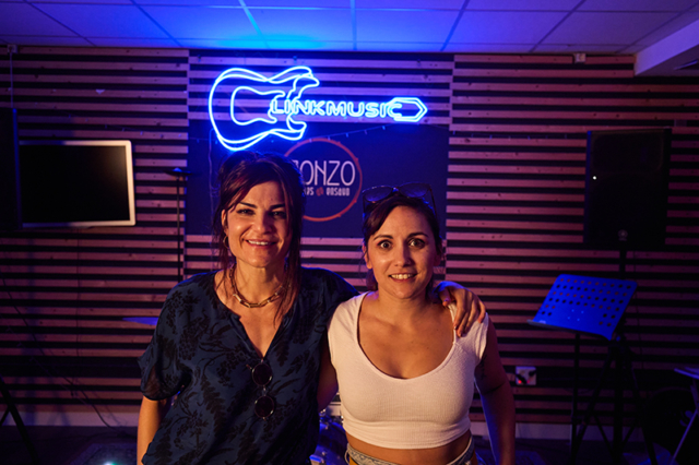 Marta Tchai con Bárbara